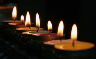 Hanukkah-candele%20by%20Itzik%20Edri[1]