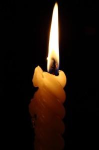 vela-de-cebo-fuego-llama_121-56513